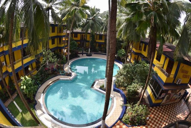 Swimming_Pool_-_Top_View
