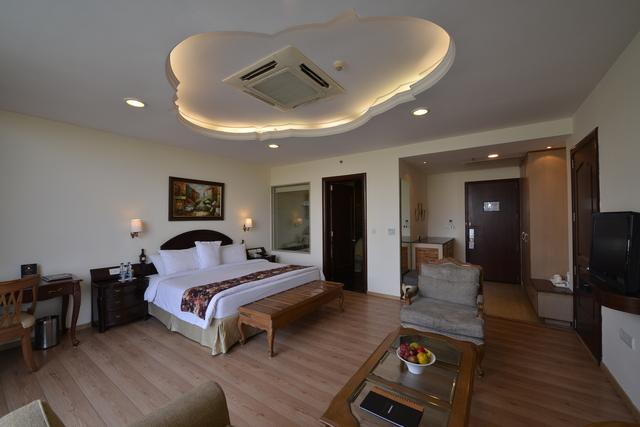Cabaner_Suite_Room_(1)