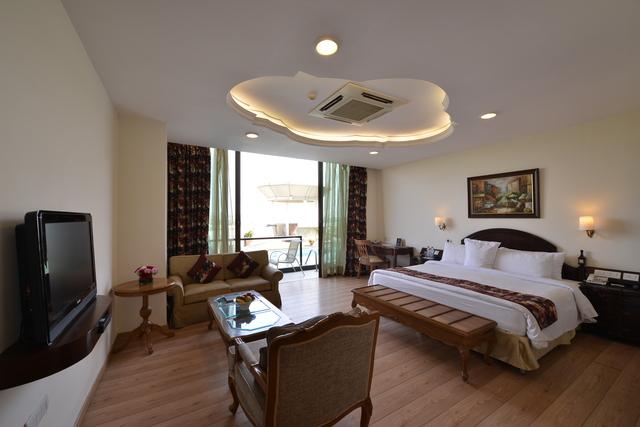 Cabaner_Suite_Room_(2)
