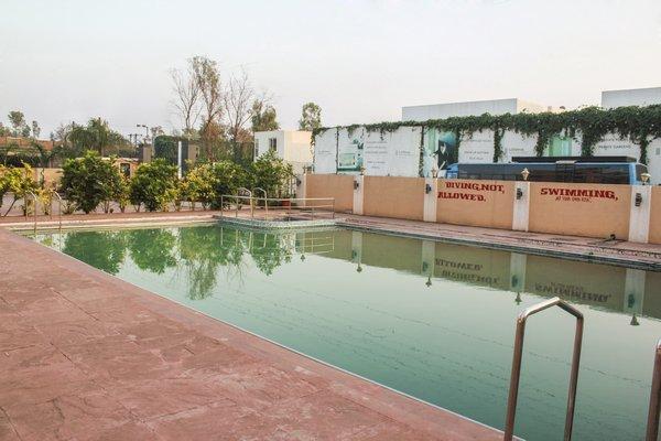 Swimming_Pool_(1)_1