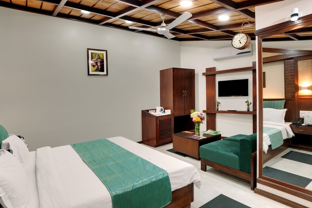Cottage_Room_2