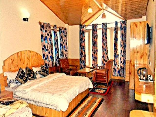 surabhi-hotel-cottage-room