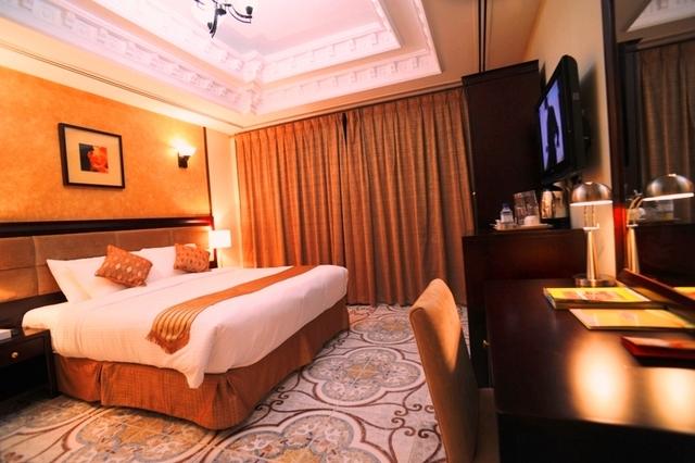 one_bedroom_suite_2_w.JPG
