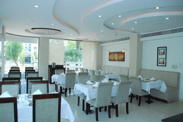 Blue_Coriander_-_The_Restaurant1