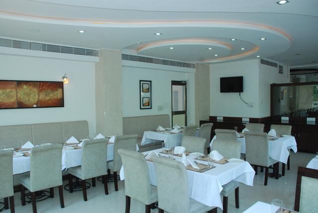 Blue_Coriander_-_The_Restaurant2
