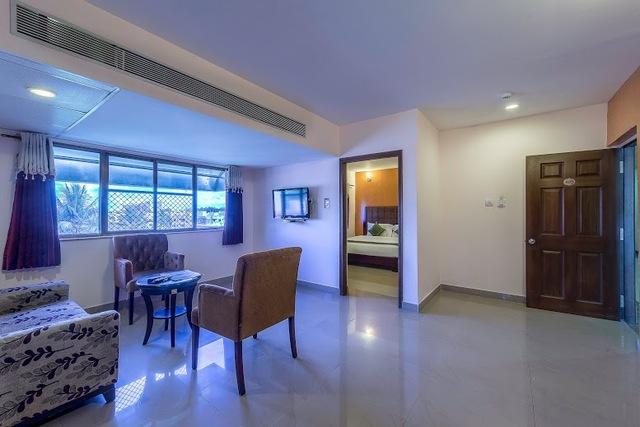 Mahagony_Living_room_1