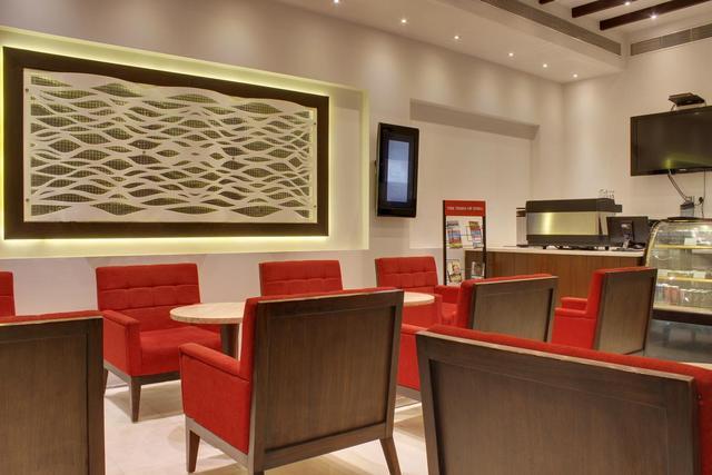 hotel-godwin-deluxe-delhi-coffee-shop-area-50182733349fs