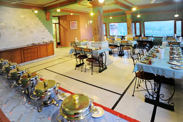 Hotel_Snow_Hermitage_(6)