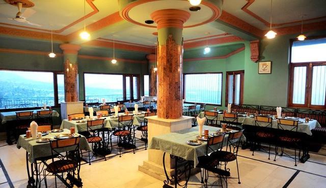 snow-hermitage-resort-dharmsala-restaurant-51911538962fs