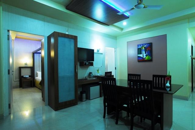 OLEANDER_Suite_Room