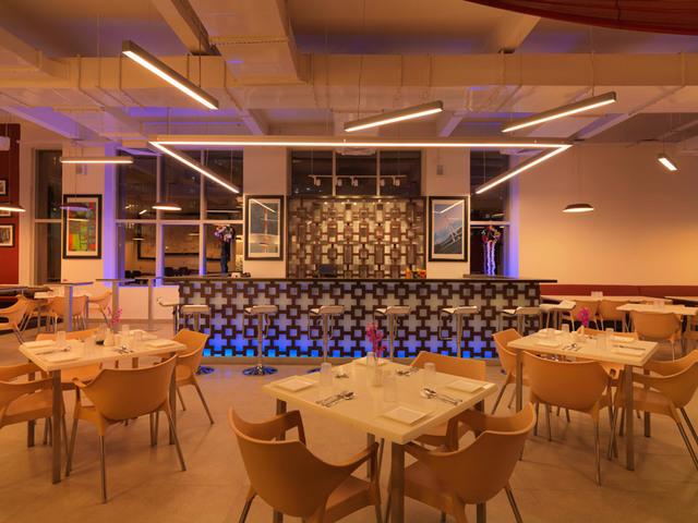 24-tech-hotel-food-court-14-large_original