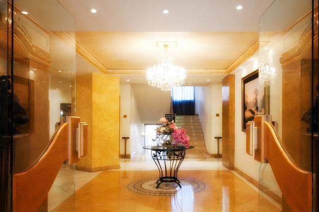 Lobby_Entrance