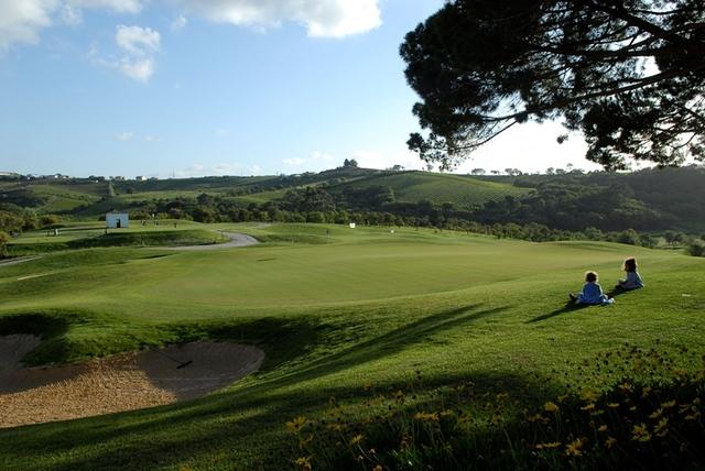 Camporeal_Golf_little_girls