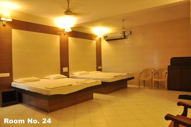 Family-room-6-Bedded-2-bathroom