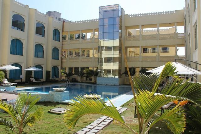 Club mahindra udaipur udaipur use coupon code bestdeal - Club mahindra kandaghat swimming pool ...
