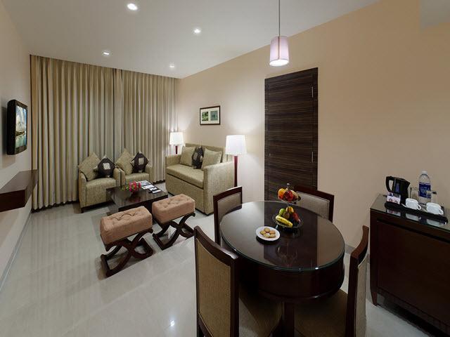 Copy_of_Living_Room_-_Suite