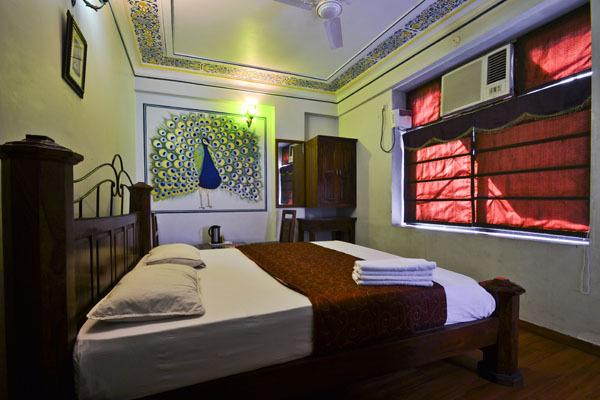 Hotel_Royal_Sheraton_ac_room_(2)