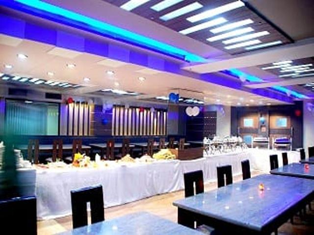 11_Restaurant_Party_View
