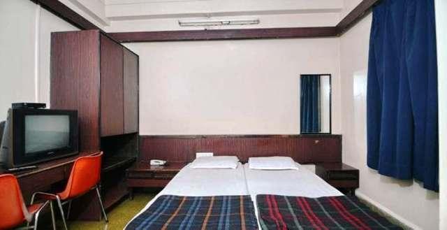 hotel-kamlesh-pune-hotel-kamlesh-201108091758272703_room_deluxe_rooms___1__jpg-pune-112032443061-jpeg-fs
