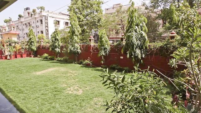 hotel-vijay-niwas-jaipur-lawn2-28661215fs