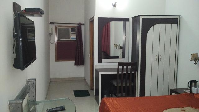 Hotel Siddharth Paradise Dehradun Room Rates Reviews