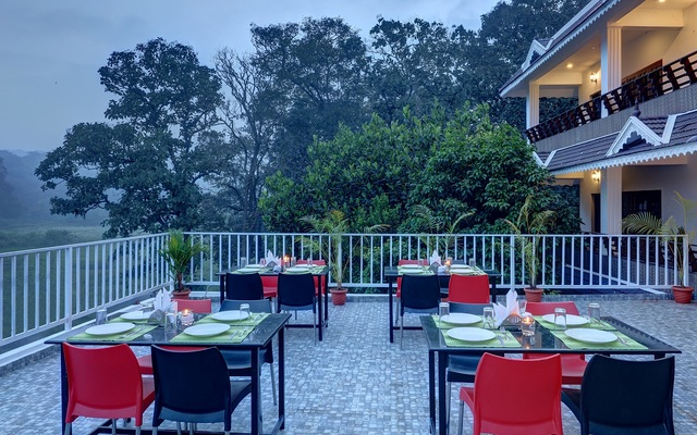 Roof_top_restaurant_view_3