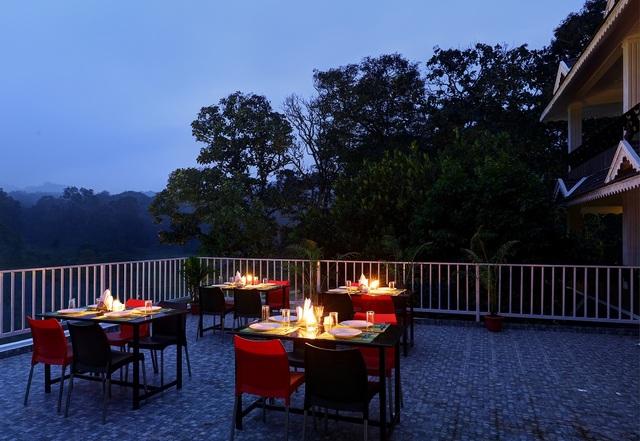 Rooftop_restaurant