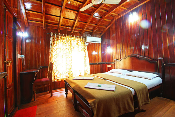 Jct Houseboats Alleppey Room Rates Reviews Amp Deals