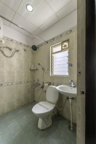 13_Acacia_Bathroom_1