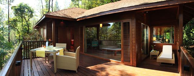 TheTamaraCoorg-Balcony-view-suitecottage