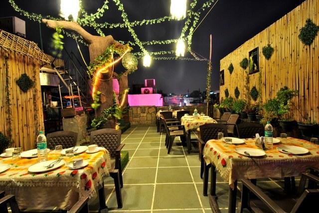 Rooftop_restaurant_1