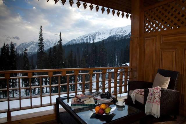 Luxury_Balcony_room_view