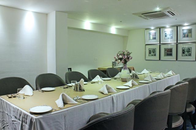 Blue_Fox_Restaurant_(3)