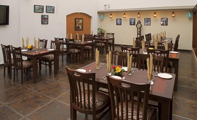 Anila_All_Day_Dining_Atrium