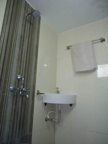bathroom_(2)
