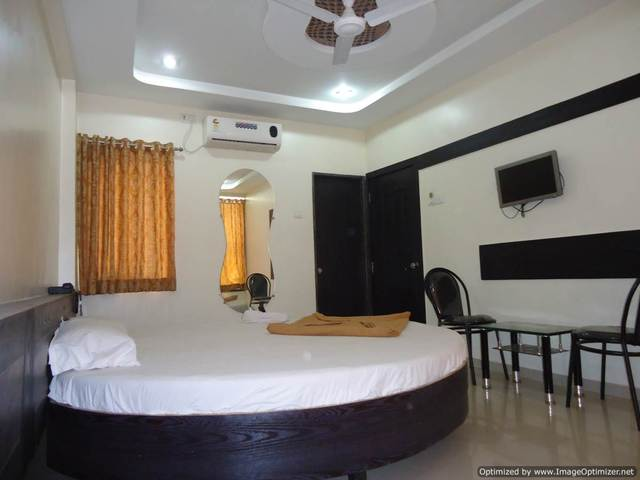superior_deluxe_suite_room