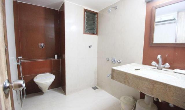 hotel-eden-ahmedabad-bathroom-53189439624fs