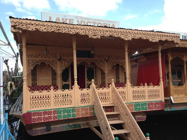 lake-victoria-group-of-house-boat-srinagar-front-ofthe-house-boat-42719161813fs