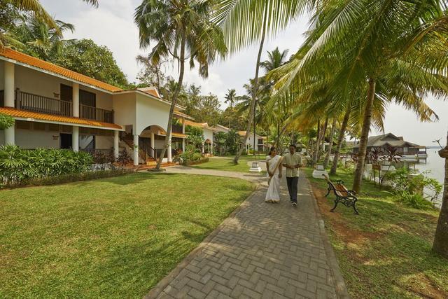 club-mahindra-ashtamudi-kollam-facade-28667308fs