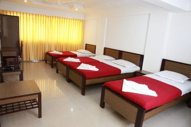 8-Special-room-With-4-Single-Beds1-906x604