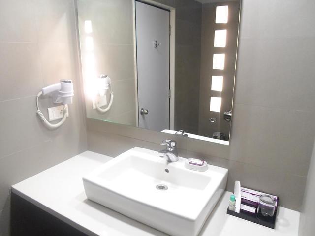 Minerva Grand Kondapur, Hyderabad. Room rates, Reviews & DEALS