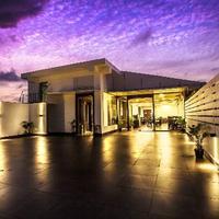 courtyard-rooftop-restaurant