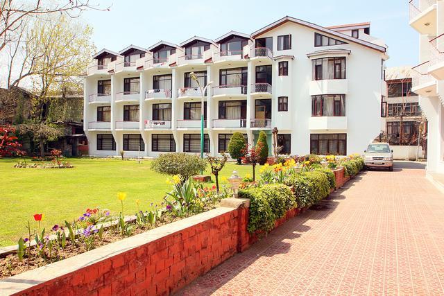 Hotel Paradise Srinagar