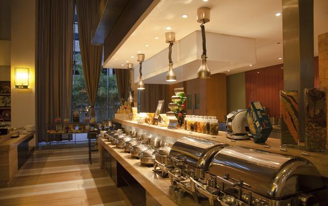 Radisson Blu Hotel Pune Kharadi Pune Room Rates Reviews