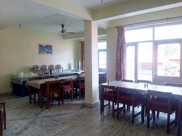 gagan-resorts-mcleodganj-restaurant-40985998fs