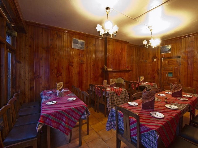 hotel-pine-grove-manali-restaurant-75827531353fs