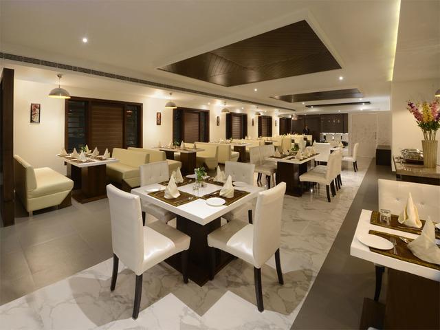the-taj-vilas-agra-restaurant-78842985519-jpeg-fs