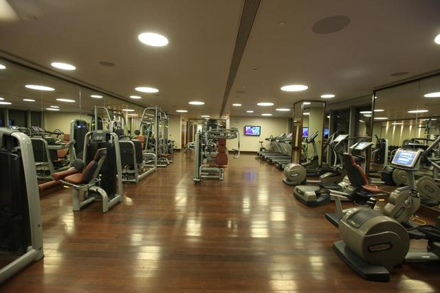Gymming_Equipments