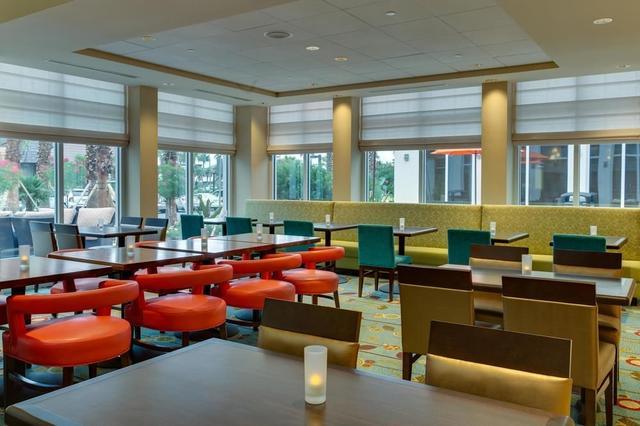 breakfast area - Hilton Garden Inn Daytona Beach Oceanfront