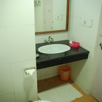 Standard_Bath_Room